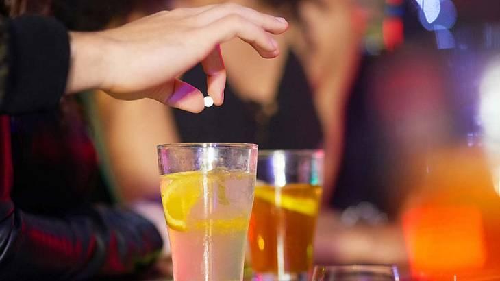 Mit Drogen lassen sich Menschen leicht außer Gefecht setzen