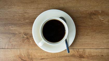Studie findet heraus, dass Menschen, die ihren Kaffee schwarz trinken Psychopathen sein könnten - Foto: iStock/aradaphotography