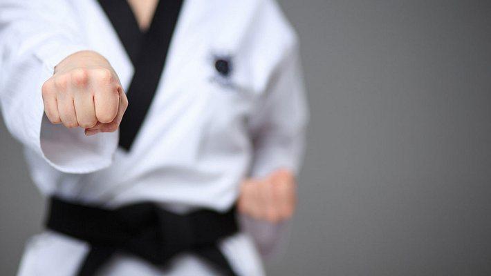 Karate-Kämpfer - Foto: iStock / master1305