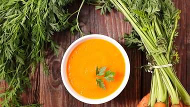 Karottensuppe-Rezept: So einfach gehts - Foto: iStock / margouillatphotos