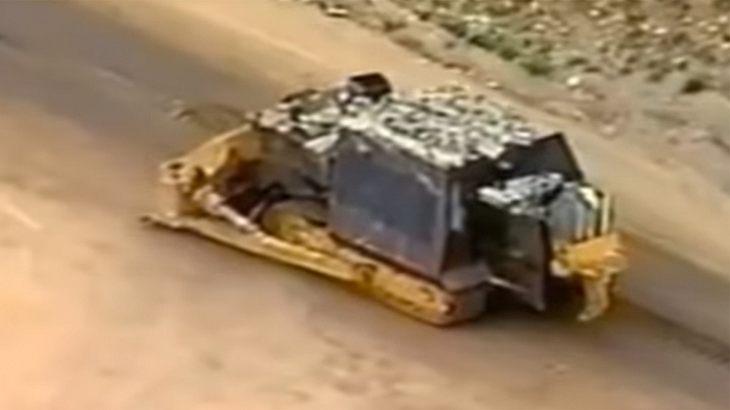 Killdozer: Dieser Mann rächt sich mit gepanzertem Bulldozer an Behörden