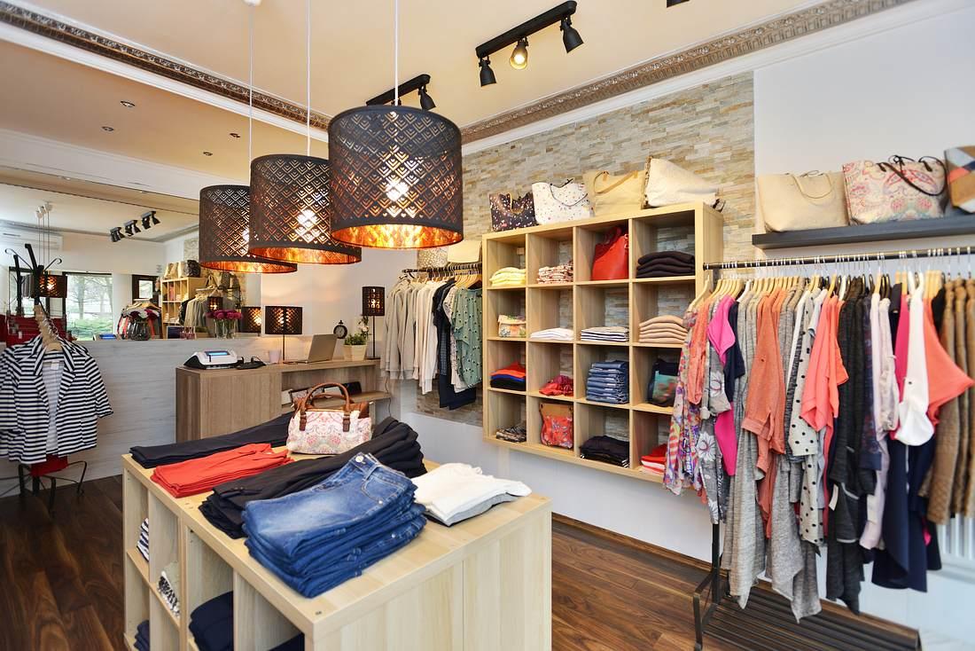 Kleiderladen ohne Kundschaft