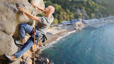 Fürs Klettern braucht man Kletterschuhe - Foto: iStock / anatoliy_gleb