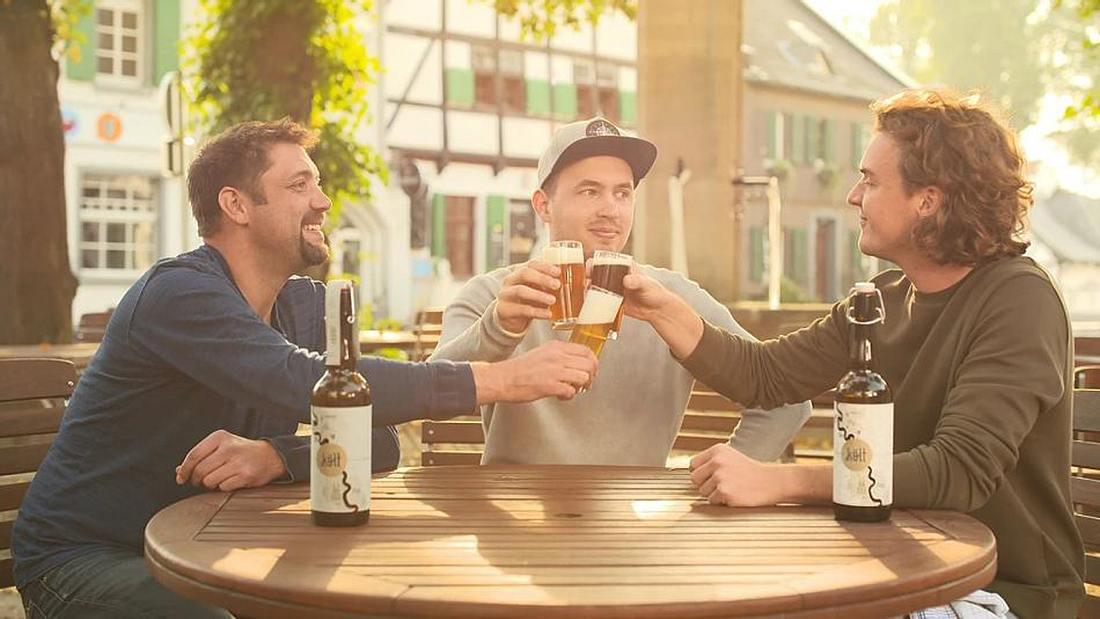 """Die Gründer des """"Költ""""-Bieres"""