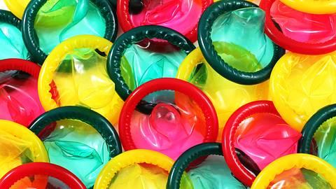 Bunte Kondome - Foto: iStock / TethysImagingLLC
