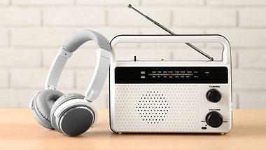 Küchenradio - Standradio - Unterbauradio - Radio - Foto: iStock/belchonock
