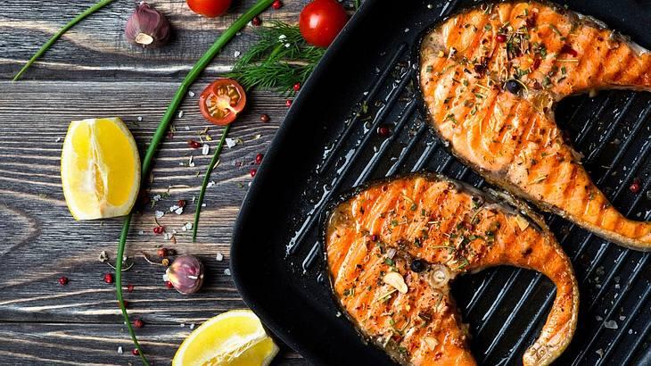 Lachs grillen: Einfache Rezepte für Grill-Fans