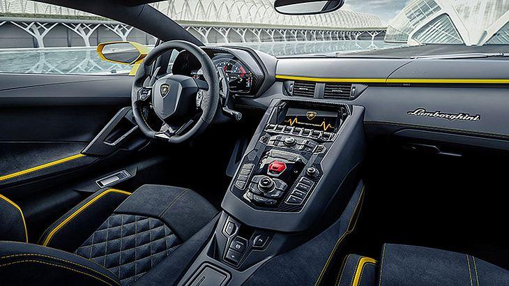 Lamborghini Aventador S - Cockpit