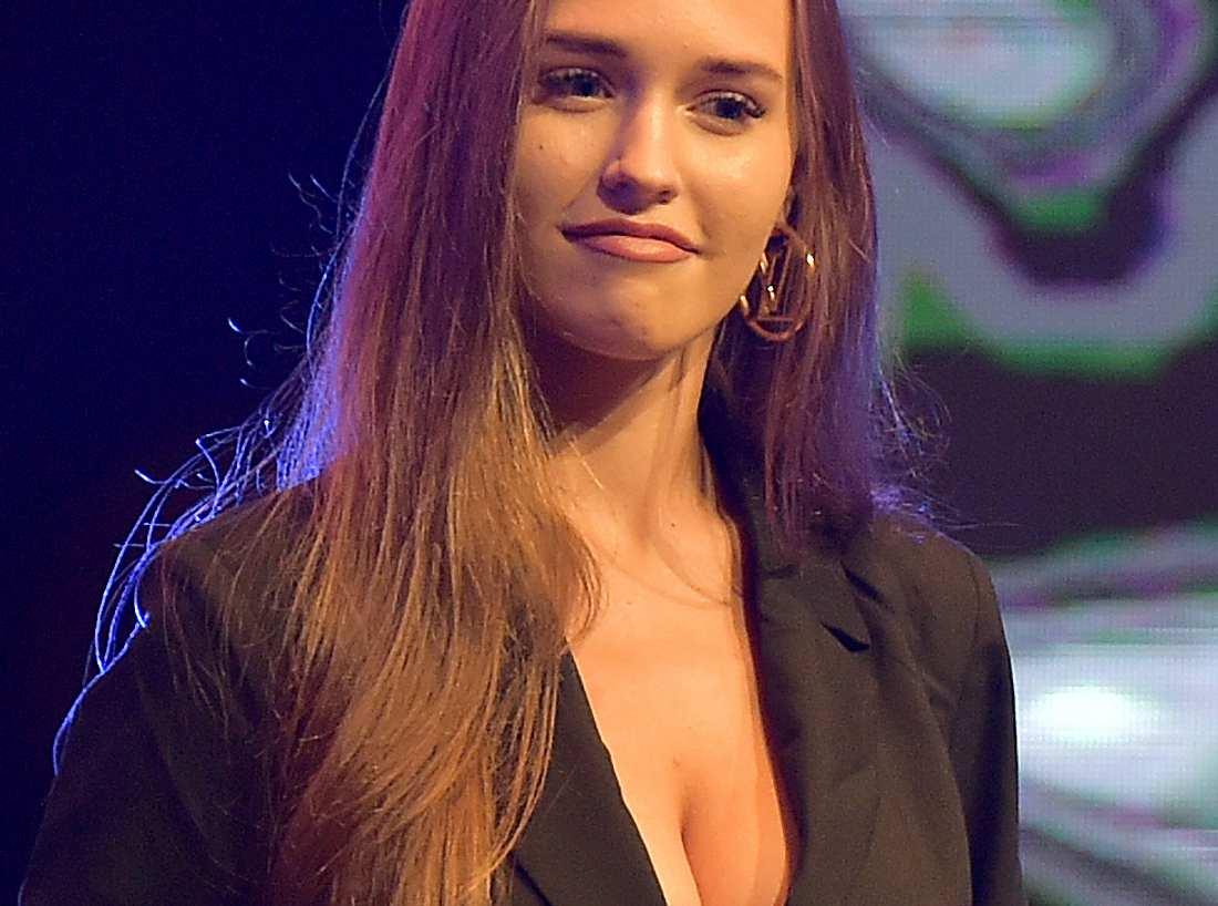 Sophie mueller nackt
