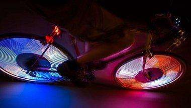 Diese Lichter machen dein Fahrrad zum LED-Feuerwerk