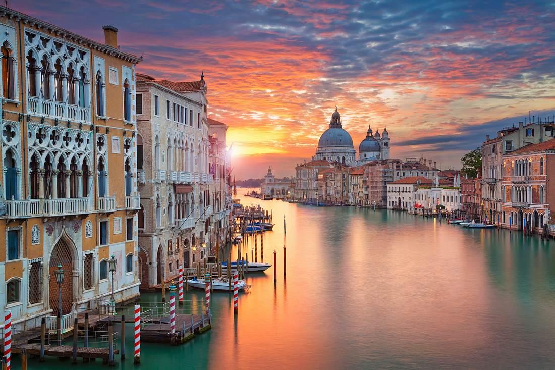 Leerer Canale Grande in Venedig