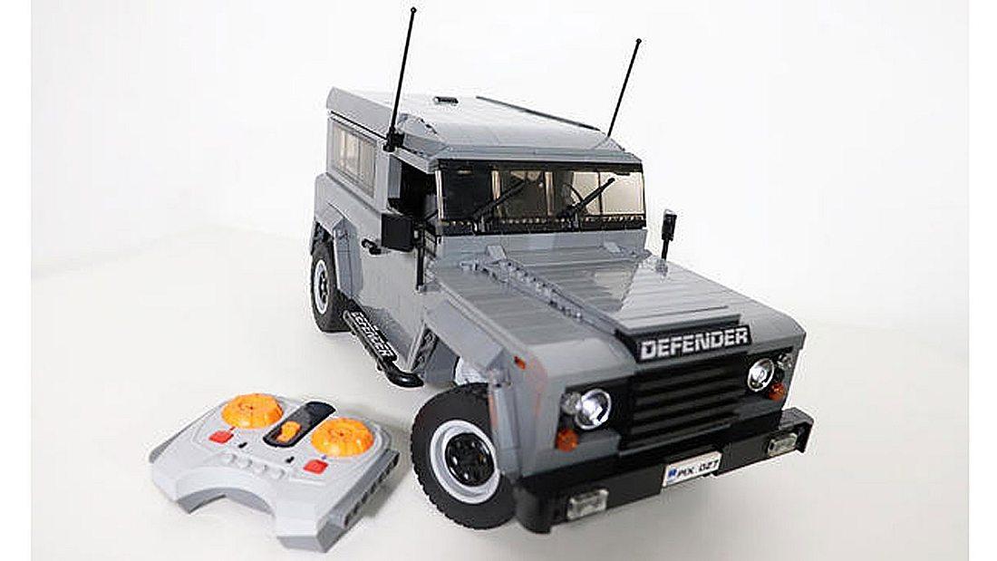 Land Rover Defender 90 aus Lego-Steinen