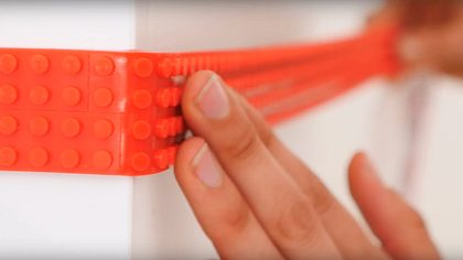 Genial: LEGO-Tape macht aus allem einen Spielplatz