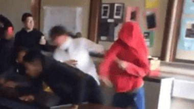 Er schlägt die Lehrerin - Dann greift sein Klassenkamerad hart durch