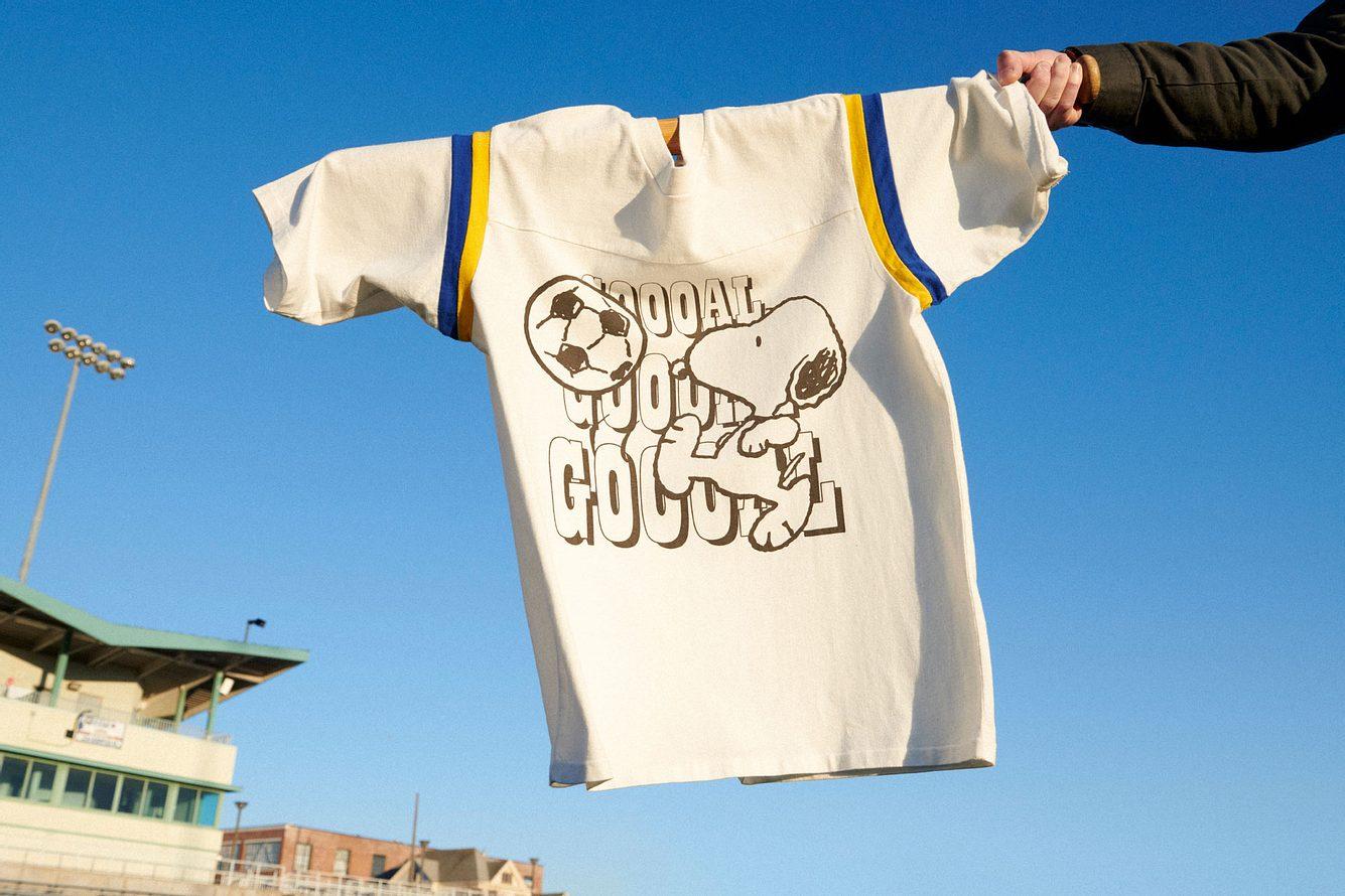 T-Shirt aus der Kollektion von Levi's und den Peanuts