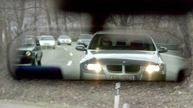 9 erstaunliche Autofahrer-Irrtümer, die Mann kennen muss