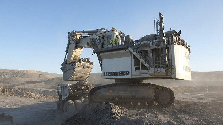 Platz 9: Liebherr R 9800 (810 Tonnen)