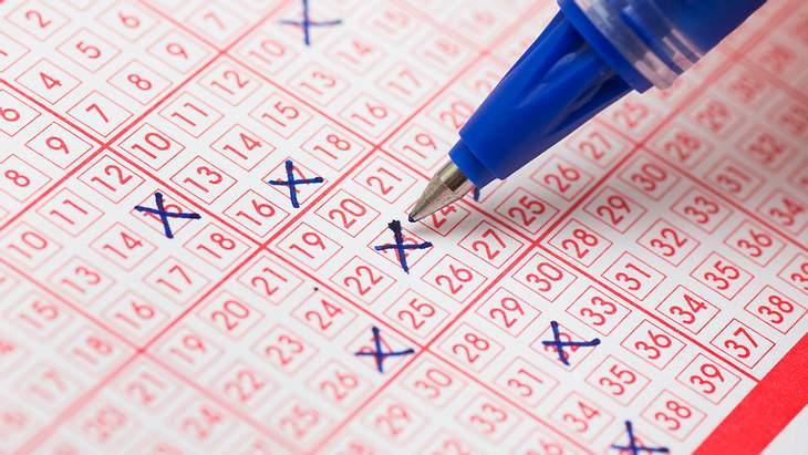 25 Jahre Haft: Lotto-Betrüger wird mit Megajackpot überführt