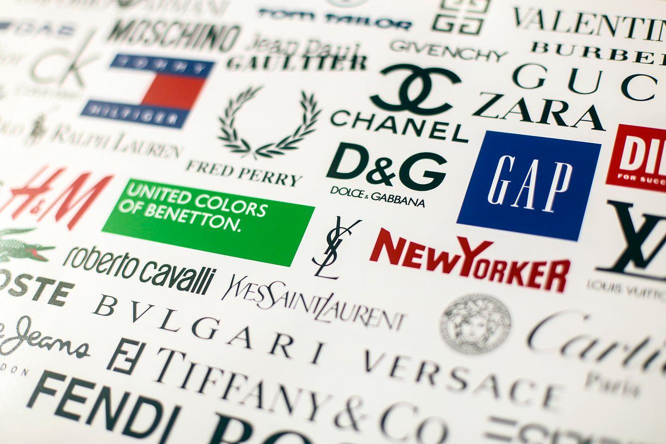 Logos verschiedener Modemarken