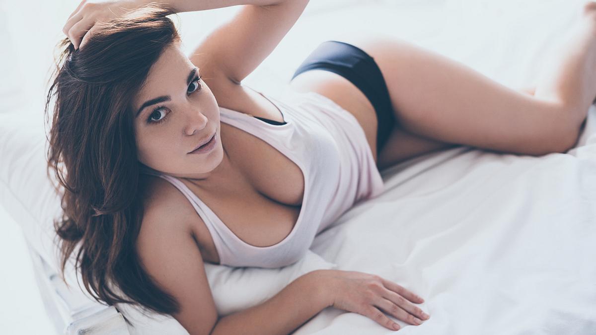 Studie: Männer, die auf Brüste starren, leben länger