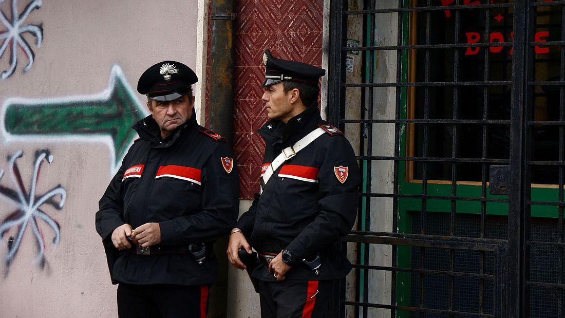 Mafioso-Bruder bricht Journalisten die Nase