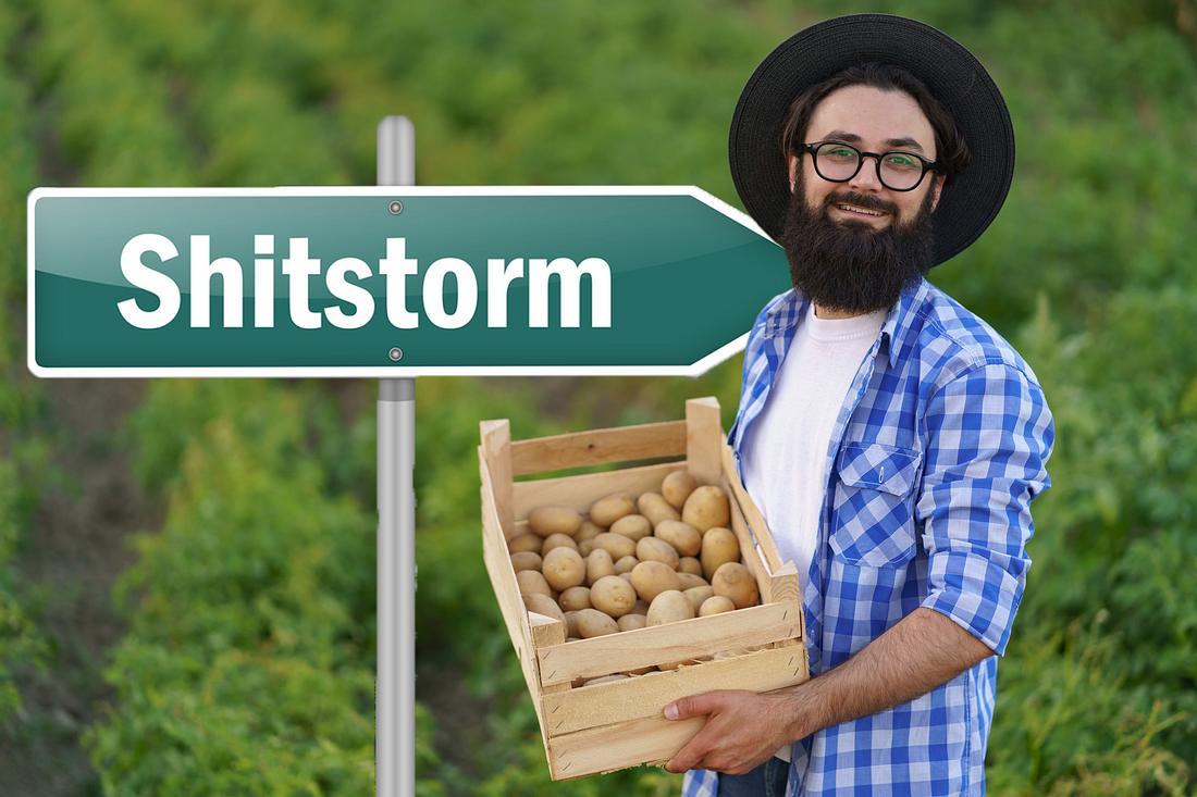 Junger Bauer und seine Kartoffeln