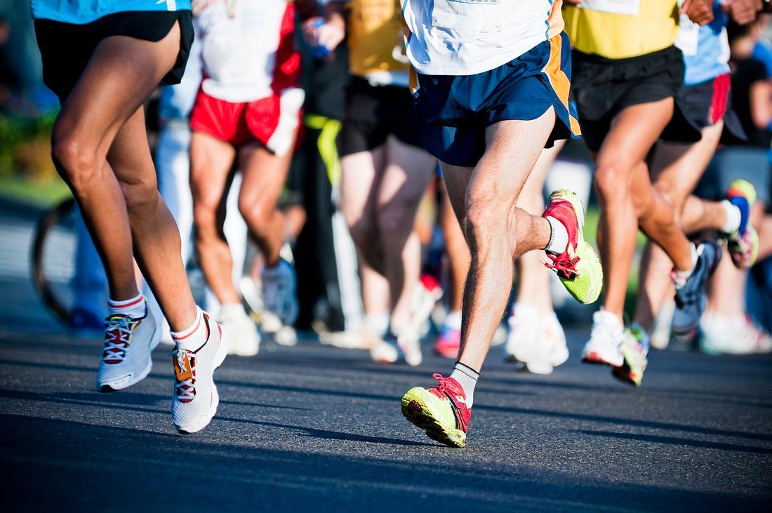 Beine von Marathon-Läufern