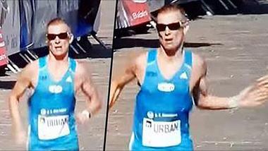 Marathonläufer kullern Familienjuwelen aus der Hose