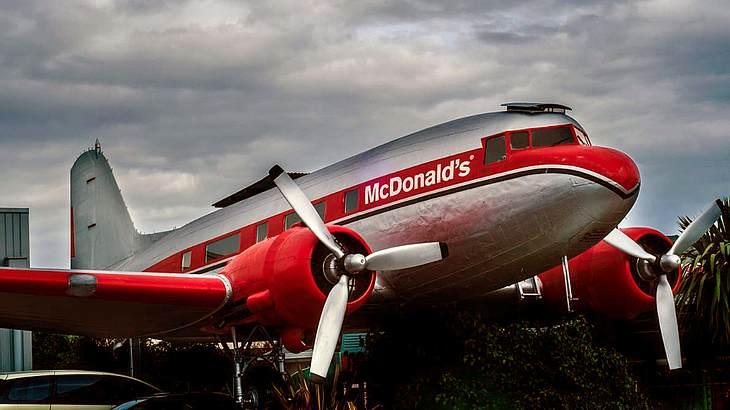 Die 9 verrücktesten McDonald's Restaurants der Welt im Video