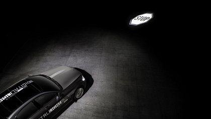 DIGITAL LIGHT: Mit der neuen HD-Scheinwerfergeneration lassen sich hochauflösende Projektionen auf die Straße beamen - Foto: Mercedes-Benz