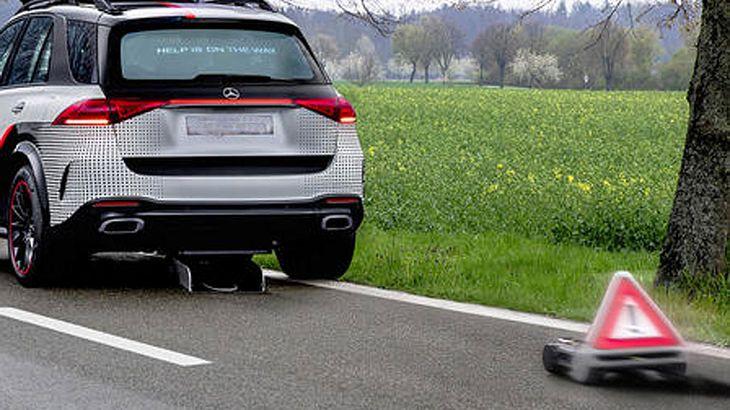"""""""Schießt"""" Mercedes bald Warndreiecke?"""