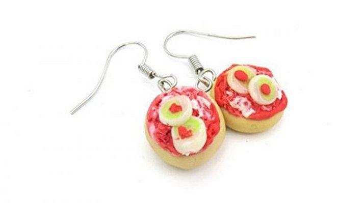 Mettbrötchen-Ohrringe bei Amazon erhältlich - Foto: Amazon