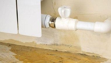 Für diese Schäden kommt der Vermieter auf - Foto: KVLADIMIRV / iStock