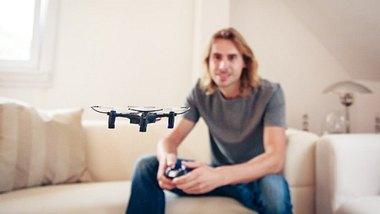 Mini Drohne Check - Foto: iStock/nullplus