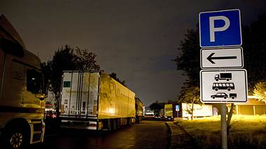 Rastplatz an Autobahn - Foto: IMAGO / Horst Rudel