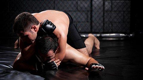 MMA-Boxhandschuhe - Foto: iStock / Antonio_Diaz