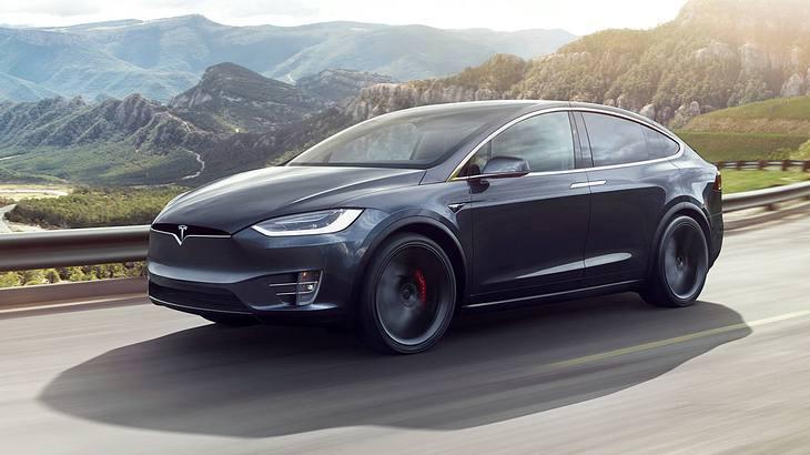 Daimler ramponiert Tesla Model X