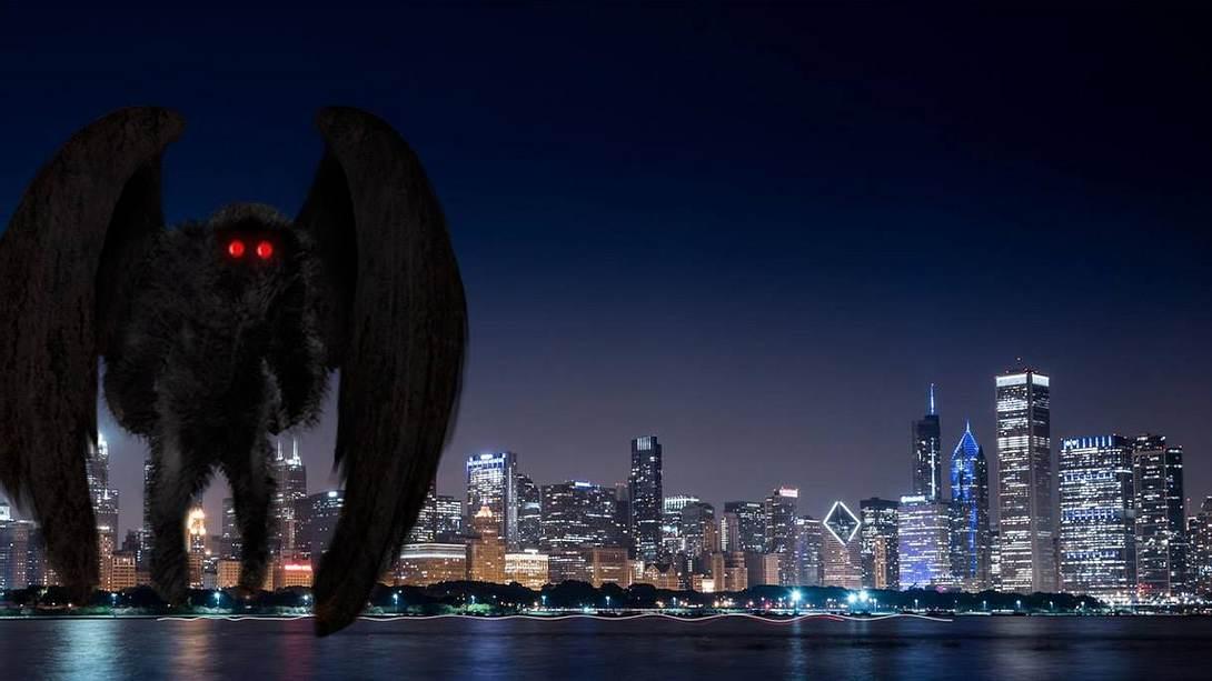 Mothman: Augenzeugen sichten mysteriöse Fledermaus-Kreatur - Foto: iStock / MonicaNinker | Tim Bertelink / CC BY-SA 4.0