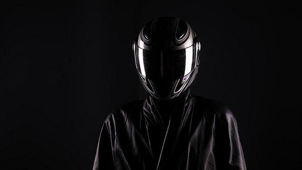 Coole Motorradhelme für eine sichere Fahrt: So findest du das richtige Modell - Foto: iStock / serikbaib