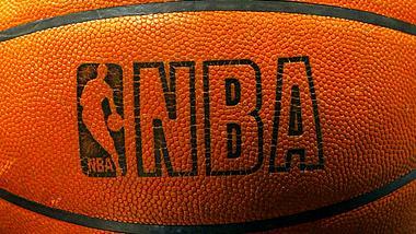 Hier kannst du NBA Basketball live im Stream sehen