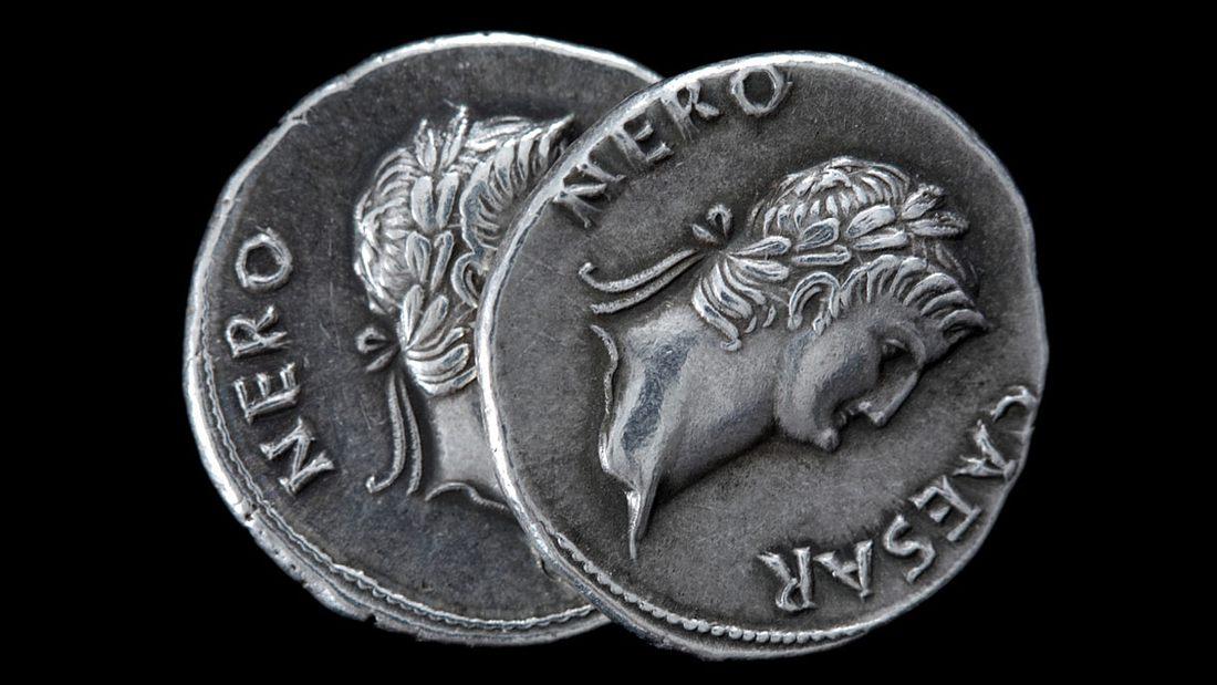 Antike Münzen mit Nero-Prägung
