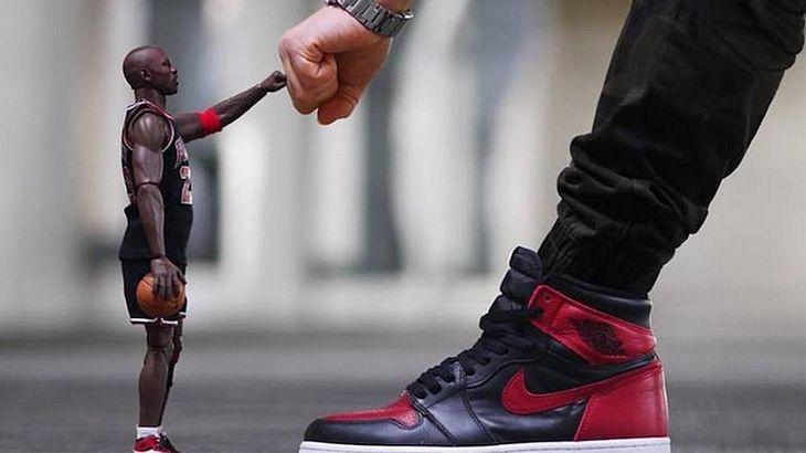 Nice: Dieser Sneakerhead setzt die Highlights seiner Sammlung kreativ in Szene