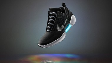 Back to the Future: Nike bringt selbstschnürende Schuhe