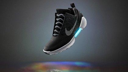 Back to the Future: Nike bringt selbstschnürende Schuhe