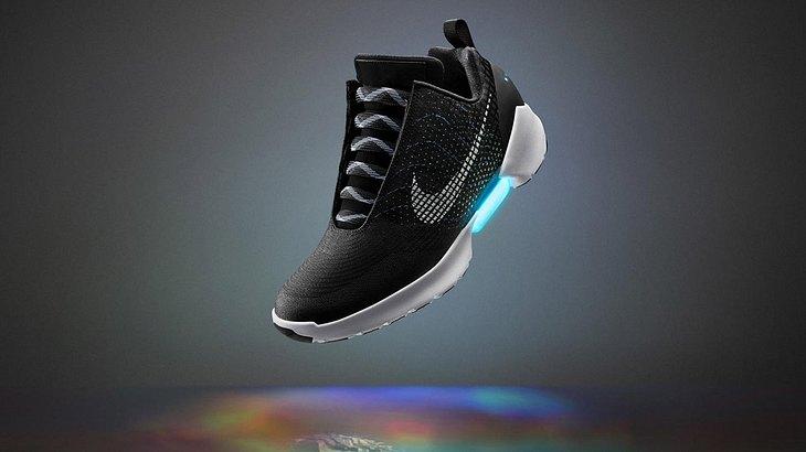 Nike bringt mit dem HyperAdapt 1.0 selbstschnürende Schuhe auf den Markt
