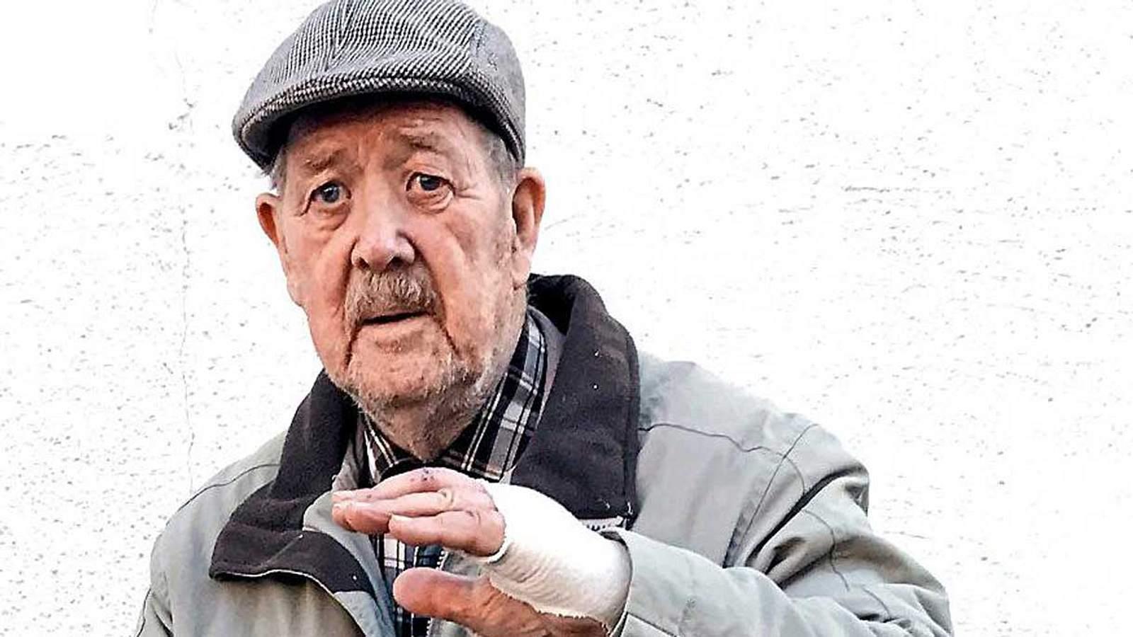 Bewaffnete Gang will Frau überfallen - ein 88-jähriger Ex-Elite-Soldat greift ein