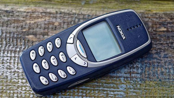Diese 7 alten Handys sind richtig viel Geld wert