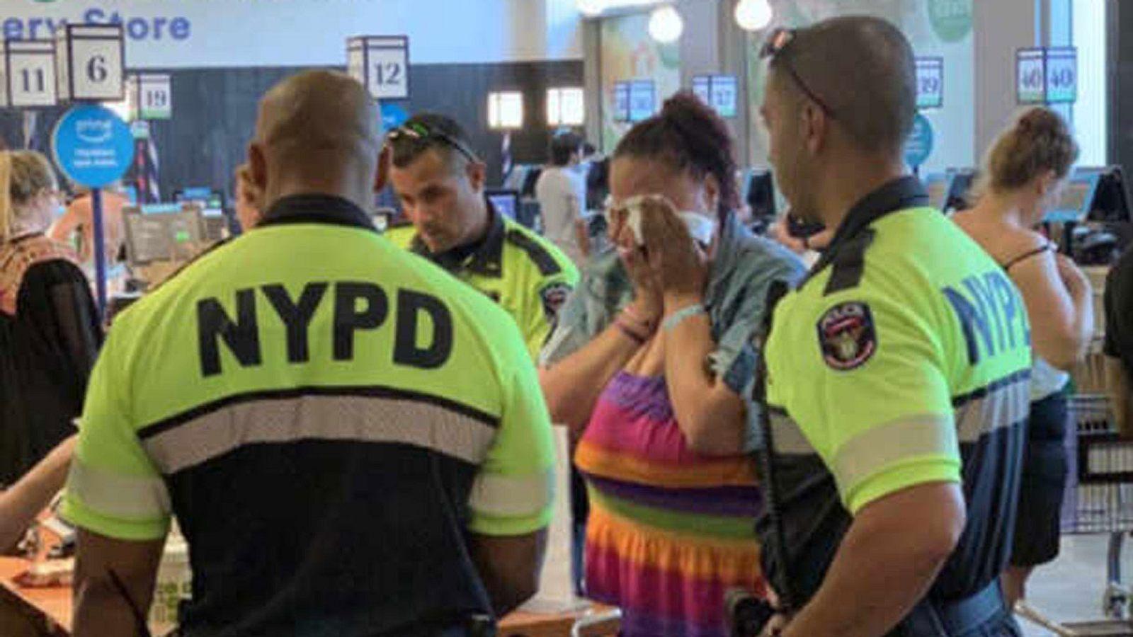 Frau beim Stehlen erwischt - Als die Polizei anrückt