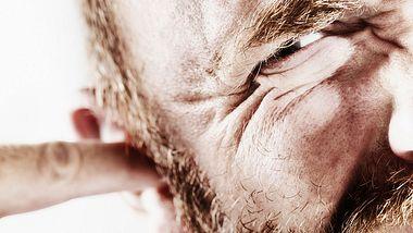 Ohrenschmalz entfernen: So kannst du Ohrenschmalz lösen