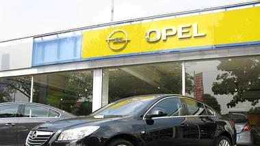 Opel-Autohaus - Foto: IMAGO / Sebastian Geisler